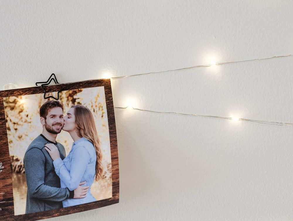 close up Twinkle Light Card Display for christmas decor