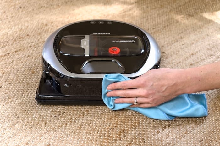 wiping the fullview sensor on a Samsung PowerBot vacuum